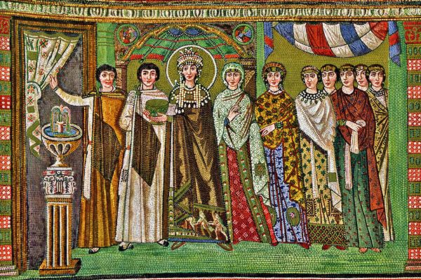 Immagine 1a: Teodora ed il suo seguito, 540-548, mosaico, basilica di San Vitale (Ravenna).